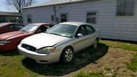 Ford - Taurus - 2003 Mainly PARTS CAR
