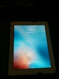 IPad white, great shape, with case MC979LL/A Littleton, 80120