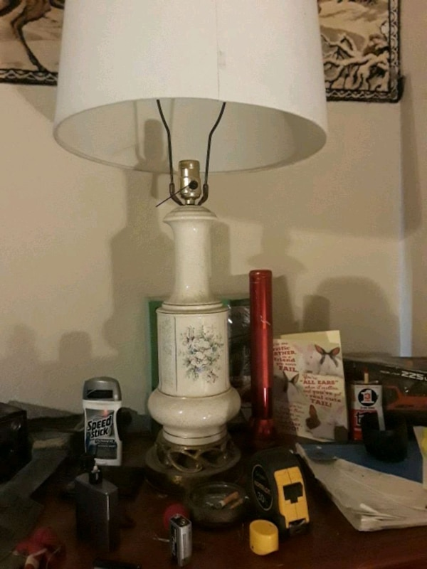 Used White And Brown Ceramic Table Lamp For Sale In Fort Worth Letgo