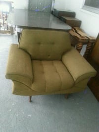 brown fabric padded sofa chair Mississauga, L5B 4G4