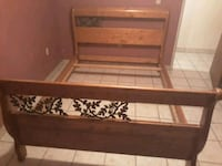 Queen bed frame Tucson, 85746