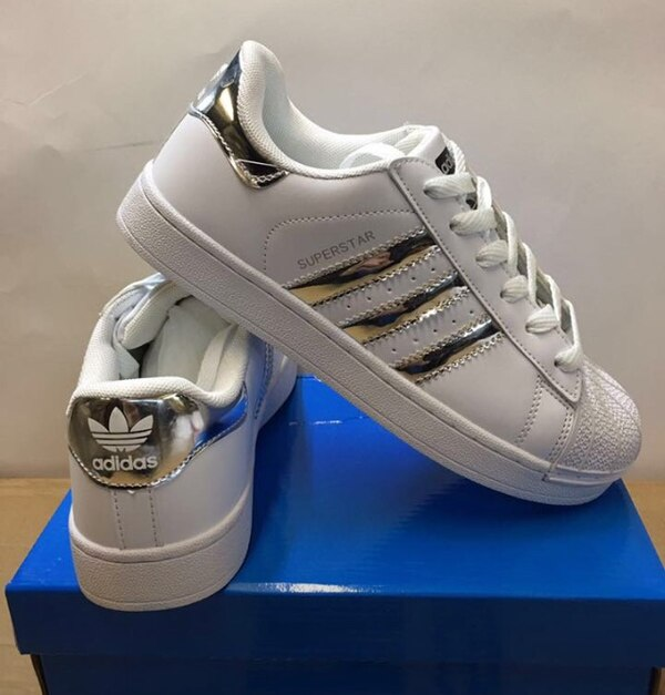 19aafdbfb3c Used pair of white Adidas low-top sneakers with box for sale in Barnsley -  letgo
