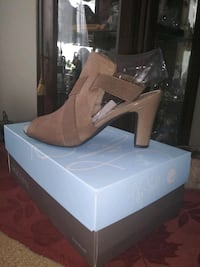 Brand new Life Stride Cacey Heels Size 7 1/2 and 8