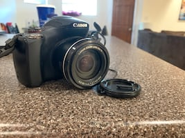 Canon Powershot SX40 HS with super zoom