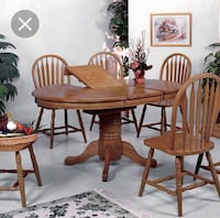 Butterfly leaf table with 2 chairs Lethbridge, T1J