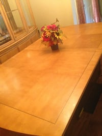 China Cabinet and table BESSEMER