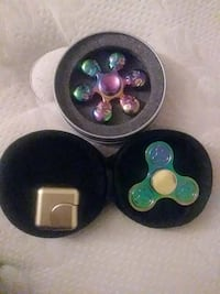 two neo chrome hand spinner and gold fidget cube Tucson, 85716