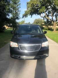 Chrysler - Town and Country - 2013 Plantation, 33317