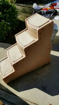 Pet gear 4 step cat stairs  Fresno, 93720