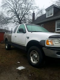 1998  f150 4x4 with additional spare parts Brantford