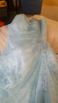 Blue strapless gown size 24 Hagerstown, 21742
