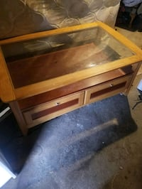 Livingroom table with glass practically new North Little Rock, 72117