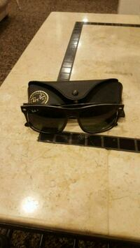 Mens ray bands super clean  East Greenwich, 02818