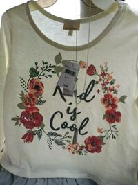white and red floral scoop-neck shirt Hoover, 35216