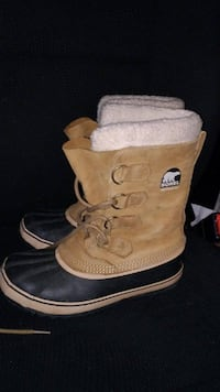 Sorel Caribou Boots - Women's NL 1645-280 Size 8 - Excellent Condition!  Well taken care of in excellent condition... Smoke and pet free home.  If your feet were evolved for the cold, harsh temperatures of the tundra, then you wouldn't need the Sorel Wome
