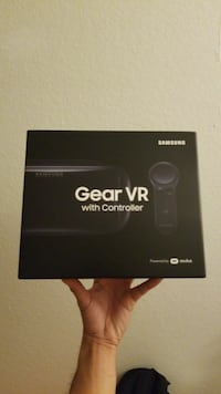 Samsung Gear VR with Controller box