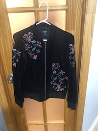 Small floral blazer/sweater  Mississauga, L4Y 2T7