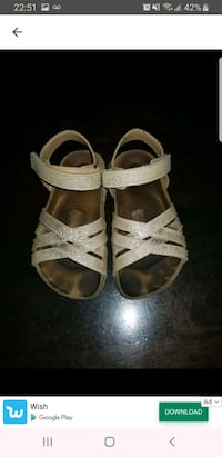 gold leather sandals girl size 10 Laval, H7T 0A9