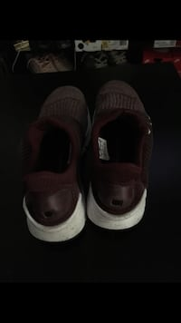 Pair of brown velcro shoes Fresno, 93703