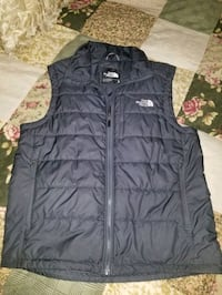 Mens medium the north face vest  Granger, 46530