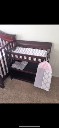 Cherry brown wood changing table Lawton, 73507