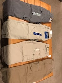 4 brand new (2 Carhardt & 2 GAP) 32X30. $15 each or all for $50 Washington, 20024