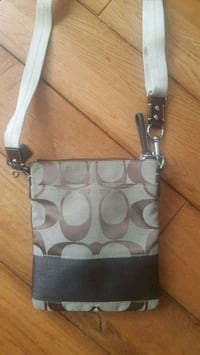 Coach Purse/Swingpack Oakville, L6J 7C3