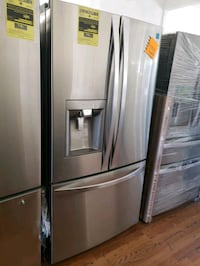 KENMORE ELITE COUNTER DEPTH REFRIGERATOR  Long Beach, 90815