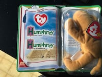 Humphrey TY beanie baby package
