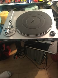JVC Turntable no cover needle is perfect everything works Wantagh, 11793