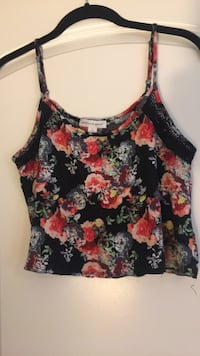 Small floral and black crop top  Triangle, 22172