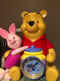 Winnie The Pooh -Animated Clock /Bank $30 Vaughan, L0J 3V9