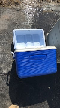 Rubbermaid cooler Manassas Park, 20111