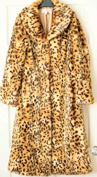 Immaculate Fenn Wright and Manson luxury fur coat  Borehamwood, WD6 2LN