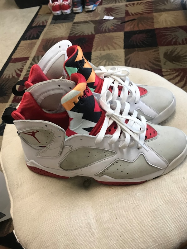 new product 856f2 ff2da Pair of white-gray-and-red air jordan 7's