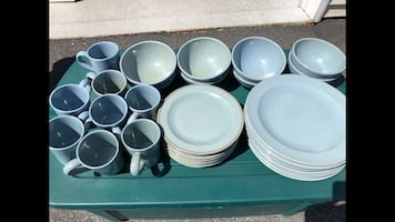 Like New Pottery Barn Dishes