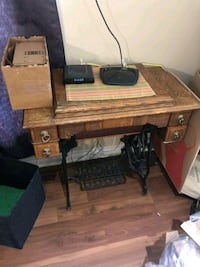 Vintage New William's Sewing Machine St. Catharines, L2R 5A2
