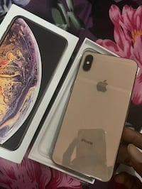 IPhone XS Max Gold 256GB Unlocked London, SW7 1JU