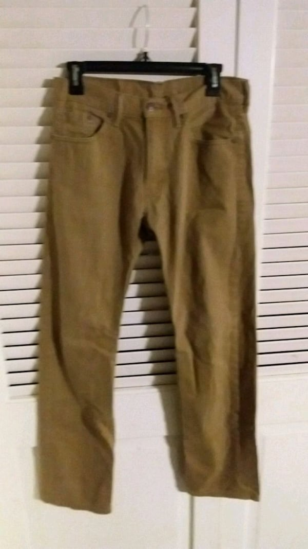 Levi's W30 L32 Brown Tan Khaki Pants Levi Strauss  90d3f76e-680f-4033-9431-f031d602607a