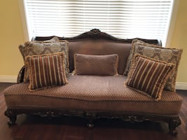 Elegant Couch Set