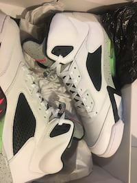 Black white and green air jordan basketball shoes District Heights, 20747