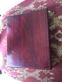 Wooden box lined with silk (empty)