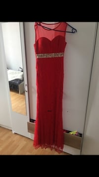 Rotes maxikleid Frankfurt am Main, 60599