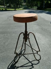 Barrel Shack adjustable stool top is leather  Burtonsville, 20866