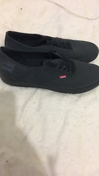 pair of black low-top sneakers Nipomo, 93444