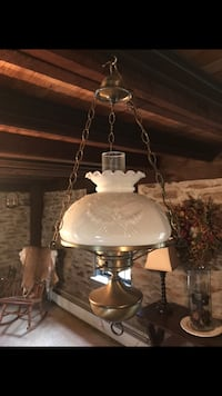 Vintage electric hurricane lamp Windsor township, 17356