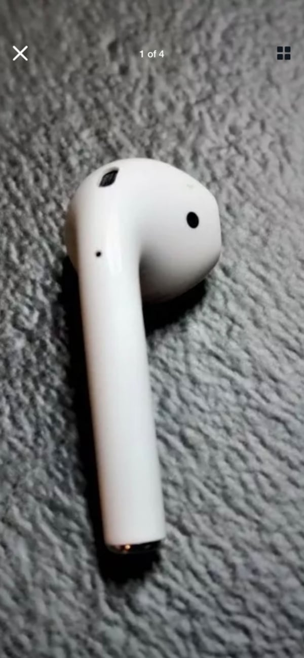 Sold Apple Airpods 2nd Generation Replacement Airpod Right Ear