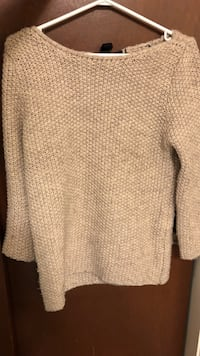 women's white knitted sweater Vancouver, V6P 2Y8