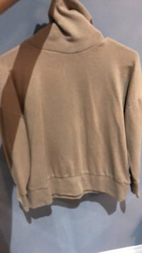 Tan turtle neck sweater Markham, L6E 0H0