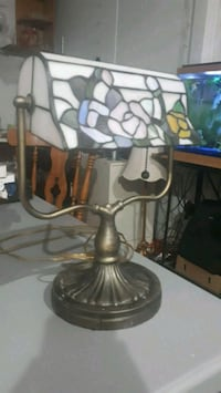Tiffany style table lamp Parksville, V9P